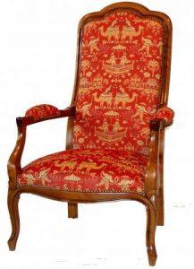 Fauteuil Voltairetrefle - à partir de 910,00 € - Haut. 116cm Profondeur 69 cm Larg. 61 cm - haut. assise 37 cm - + 1,80 mètres de tissu